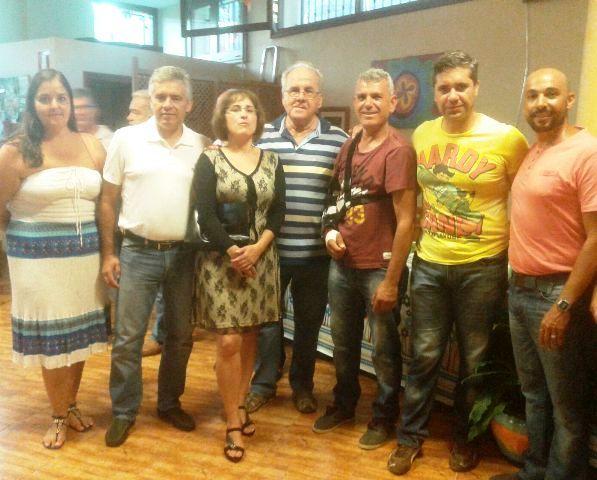 """El Ayuntamiento de Valle Gran Rey felicita a la asociación de mayores """"Baja del Secreto"""" por sus aniversario, después de cumplir 15 años de su creación."""