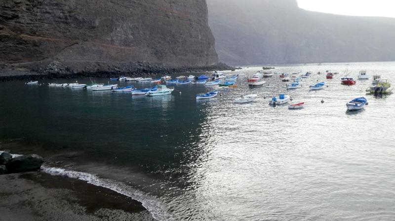 El Ayuntamiento de Valle Gran Rey organiza la limpieza de los fondos marinos en el Puerto  de Vueltas.